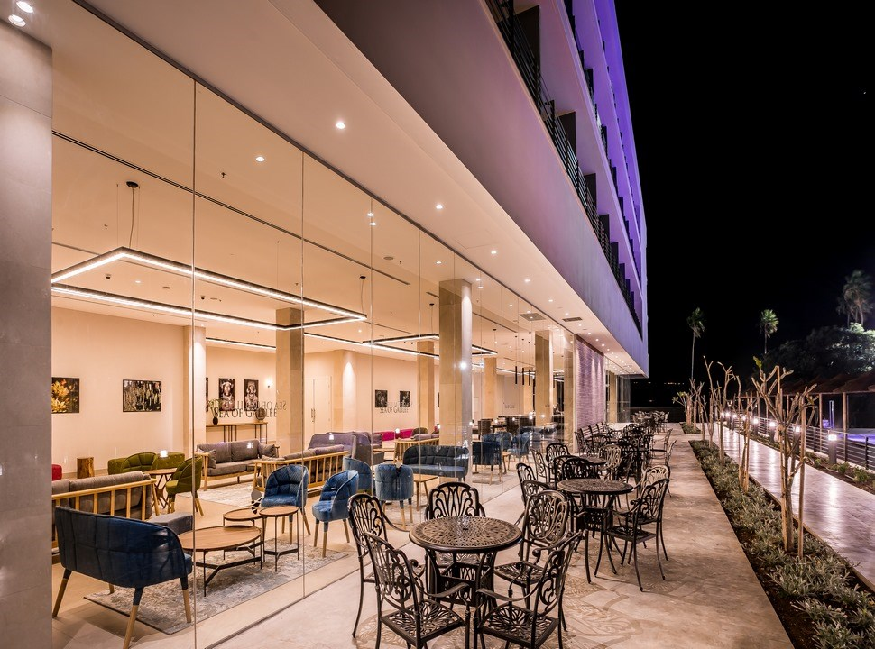 Sea of Galilee Hotel | Lobby bar at night